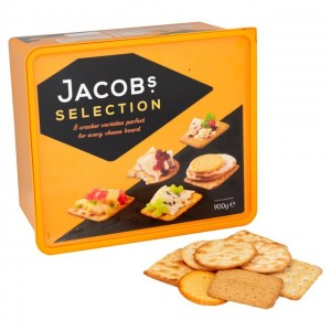 Biscuit for cheese tin